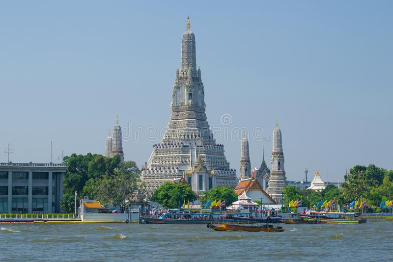 Взгляд буддийского виска Wat Arun Таиланд, Бангкок стоковая фотография