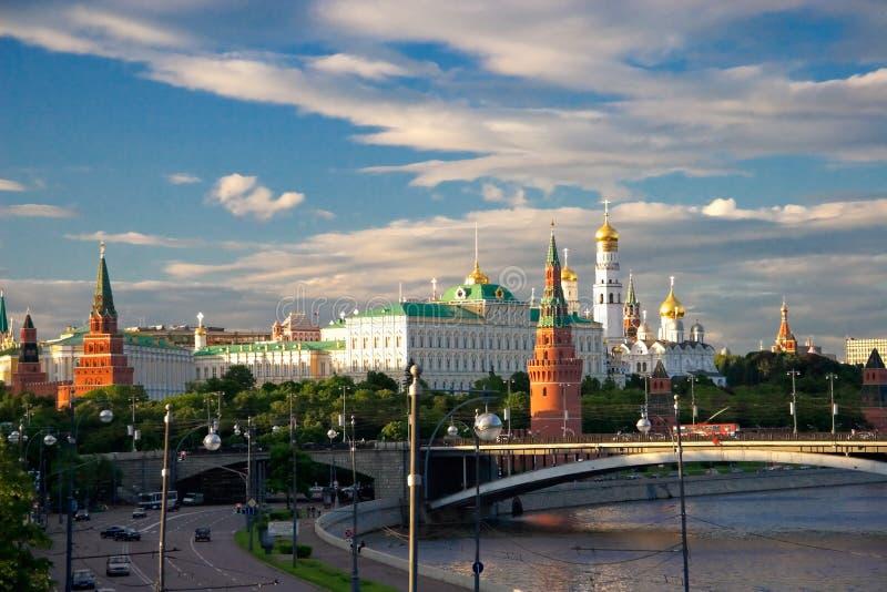 взгляд величественный moscow kremlin к стоковое изображение rf