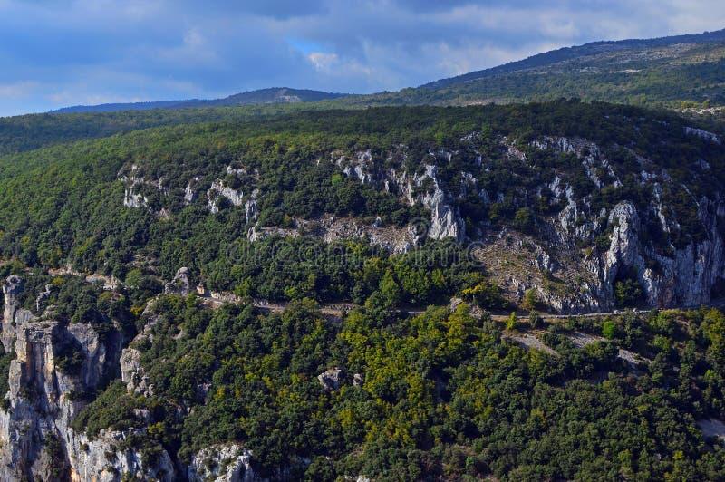 Взгляд величественных гор около Gourdon стоковая фотография rf