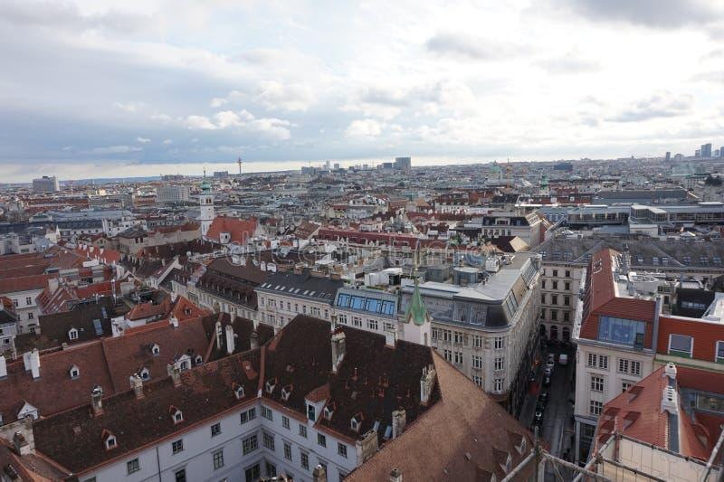 Взгляд Вены зимы от башни собора St Stephen's стоковое изображение