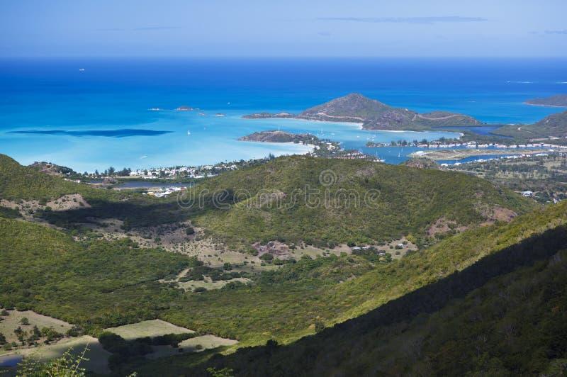 Взгляд высокого угла береговой линии Антигуы стоковая фотография rf