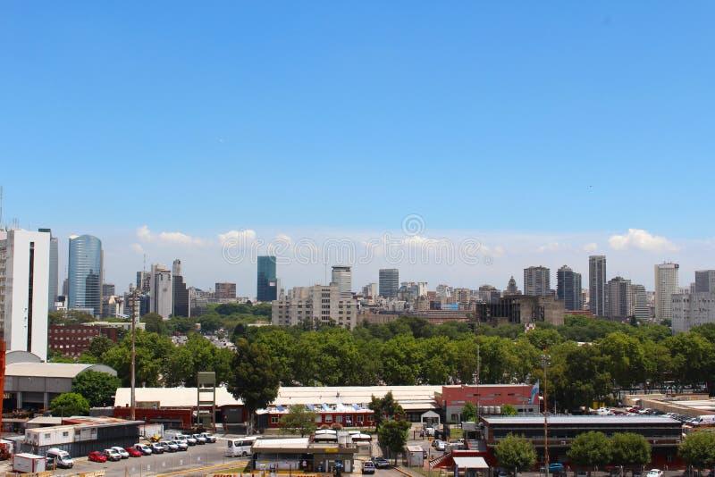 Взгляд горизонта Буэноса-Айрес, Буэнос-Айрес, Аргентина стоковые изображения rf