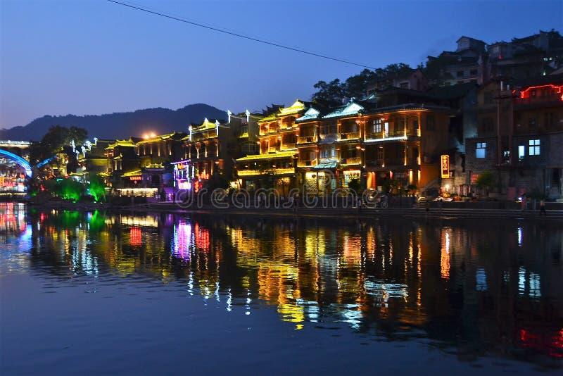 Взгляд города и улицы ночи Харбин Китая стоковые изображения