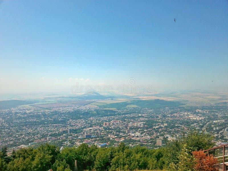 Взгляд города Pyatigorsk от вершины горы Mashuk, территории Stavropol, России стоковые фотографии rf