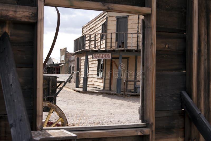 взгляд городка комнаты гостиницы старый западный стоковые фотографии rf