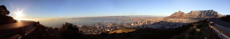 взгляд городка плащи-накидк Африки панорамный южный стоковые фотографии rf