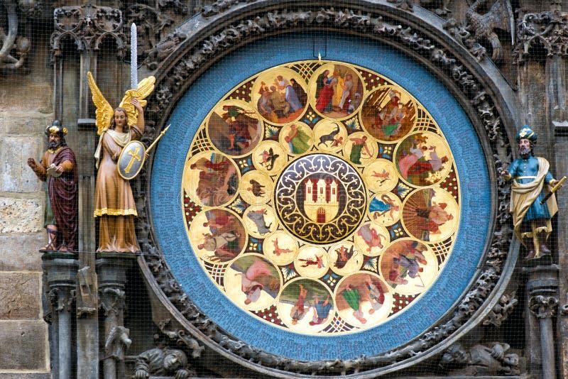 взгляд городка республики cesky чехословакского krumlov средневековый старый Астрономические часы Праги в старом городке стоковые изображения