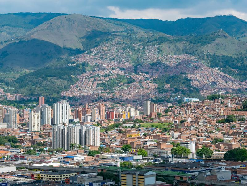 Взгляд городского пейзажа и панорамы Medellin, Колумбии Medellin город второй по величине в Колумбии Оно в долине, дальше стоковые изображения