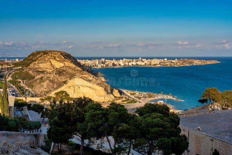 Взгляд городского пейзажа над Аликанте в Испании, Европе стоковые фото