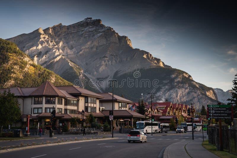 Взгляд городского Banff в национальном парке Banff, Канаде стоковое фото