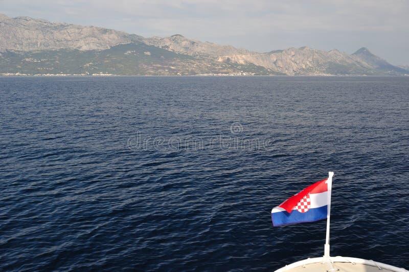 Взгляд горы Biokovo от моря стоковое фото