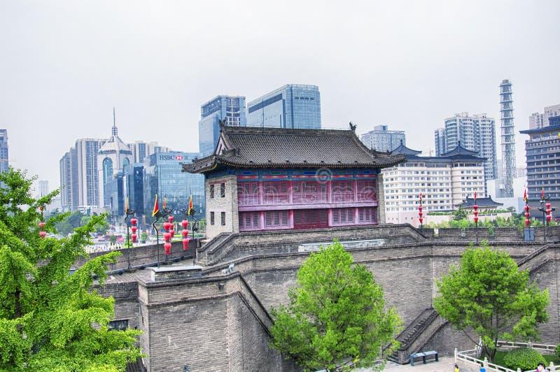 Взгляд дня стены Xian Китая на южных воротах стоковая фотография rf