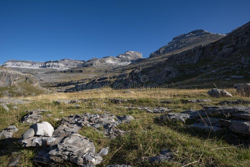 Взгляд долины Sorores и Ordesa стоковые фото