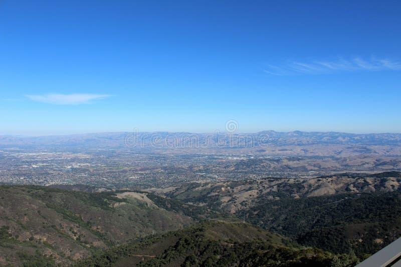 Взгляд долины Umunhum держателя стоковые изображения
