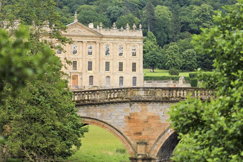 Взгляд дома Chatsworth, Великобритании стоковое изображение rf