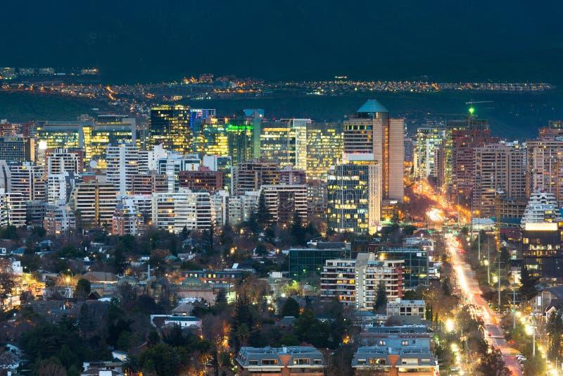 Взгляд жилого и офисных зданий на состоятельном районе Las Condes в Сантьяго стоковое изображение