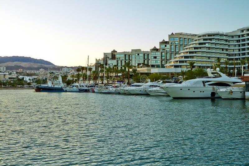 Взгляд залива Eilat с яхтами стоковое фото rf