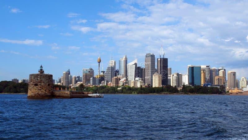 Взгляд зданий города Сиднея и форта Denison, NSW, Австралии стоковые изображения