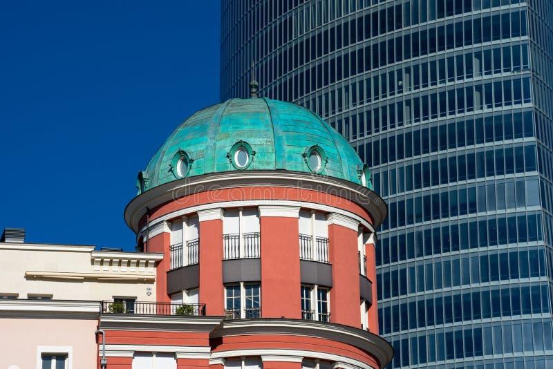 Взгляд здания Artklass на квадрате Euskadi стоковые фотографии rf