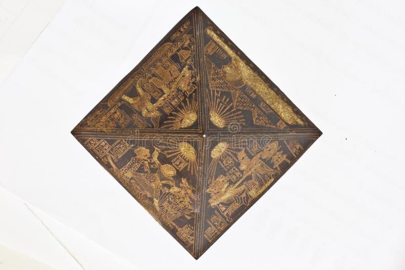 взгляд игрушки пирамидки верхний стоковое изображение rf