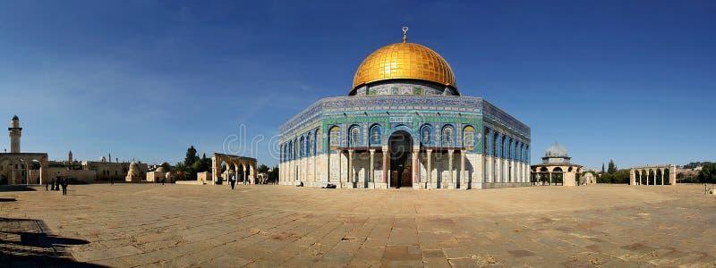 взгляд известной мечети Иерусалима панорамный стоковые фотографии rf