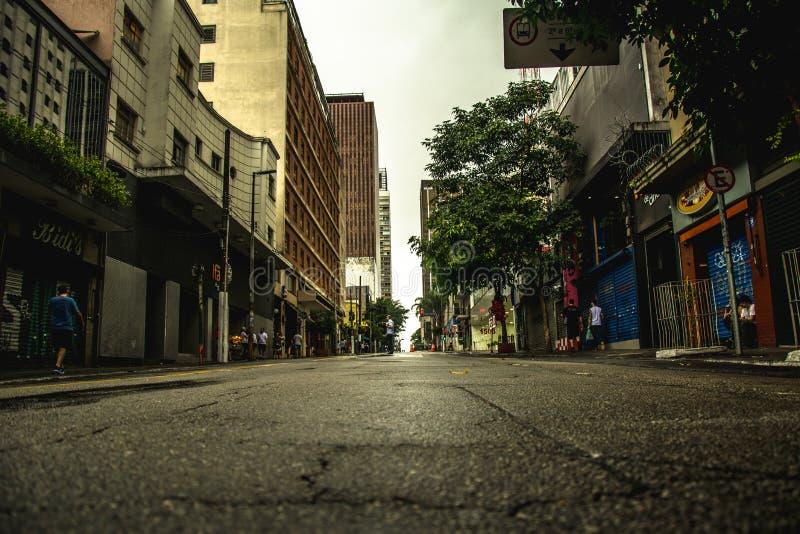 Взгляд известной улицы Augusta, в São Paulo стоковые фотографии rf