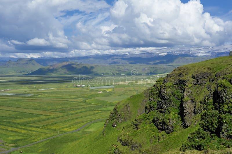 взгляд Исландии dyrholaey свободного полета южный стоковое фото