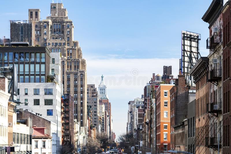 Взгляд исторических зданий вдоль 14-ой улицы в Челси Нью-Йорке стоковые изображения rf