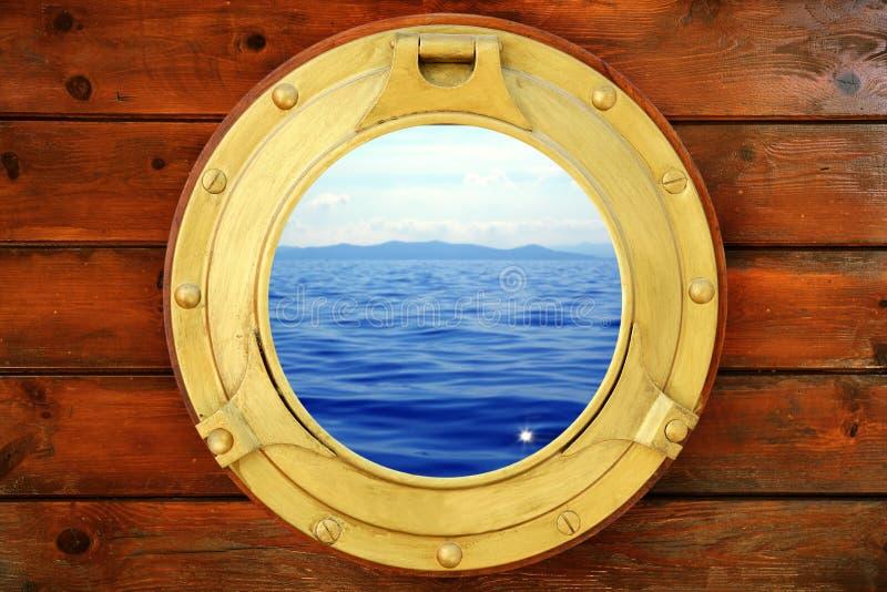 взгляд каникулы seascape porthole шлюпки закрытый