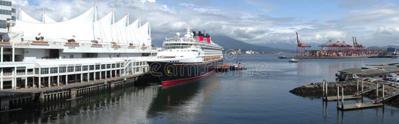 взгляд корабля круиза панорамный стоковое фото
