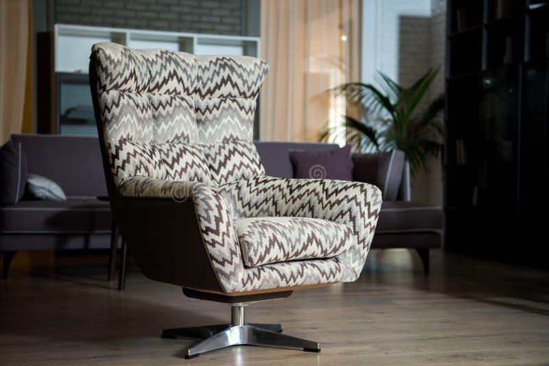 Взгляд крупного плана кресла ткани в современном стоковое фото rf