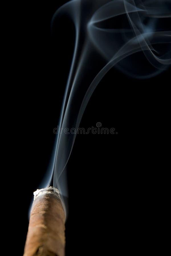 взгляд курильщиц пункта стоковая фотография