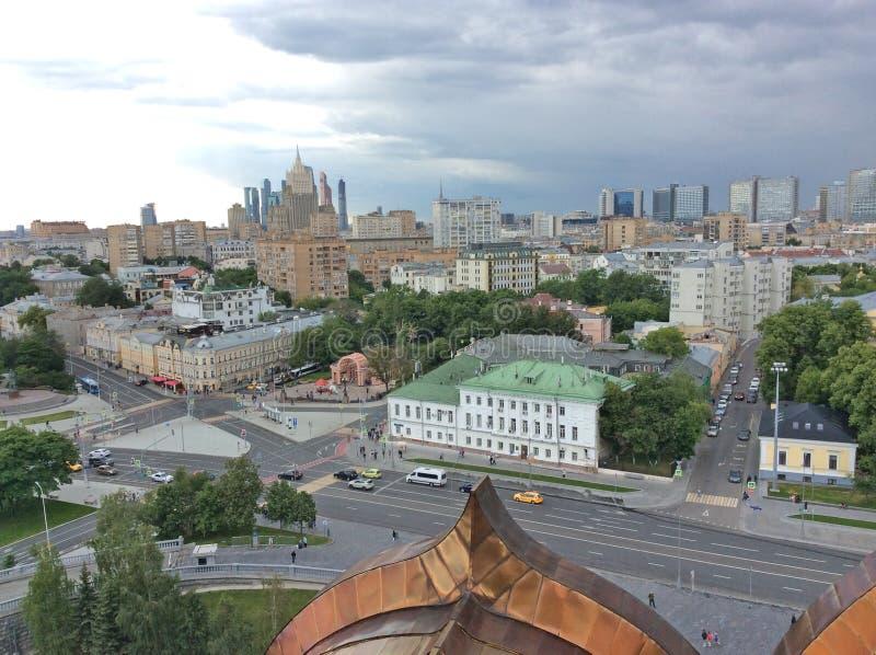Взгляд к Москве от Христоса колокольня собора спасителя стоковые изображения rf