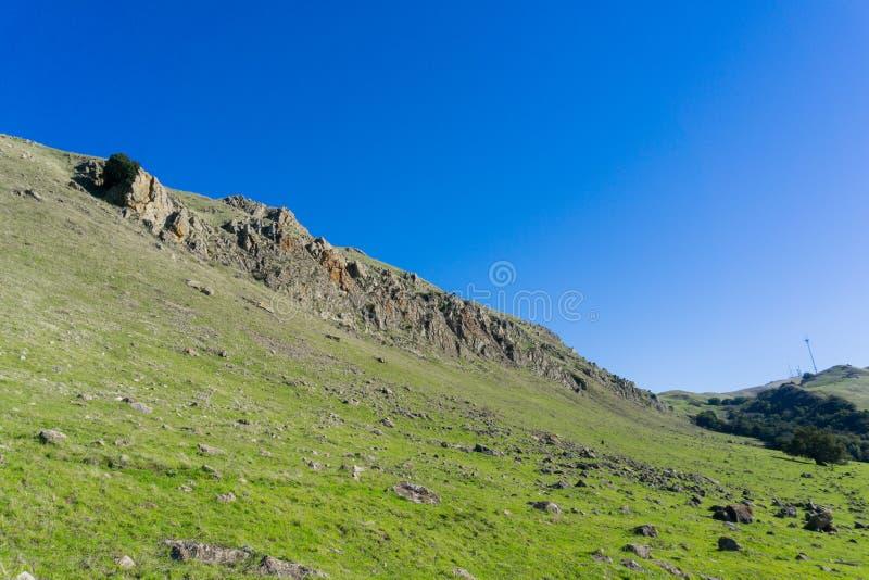 Взгляд к пику от следа, югу San Francisco Bay миссии, Калифорния стоковое фото