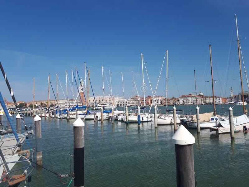 взгляд к пристани от Венеции в лете стоковое фото rf