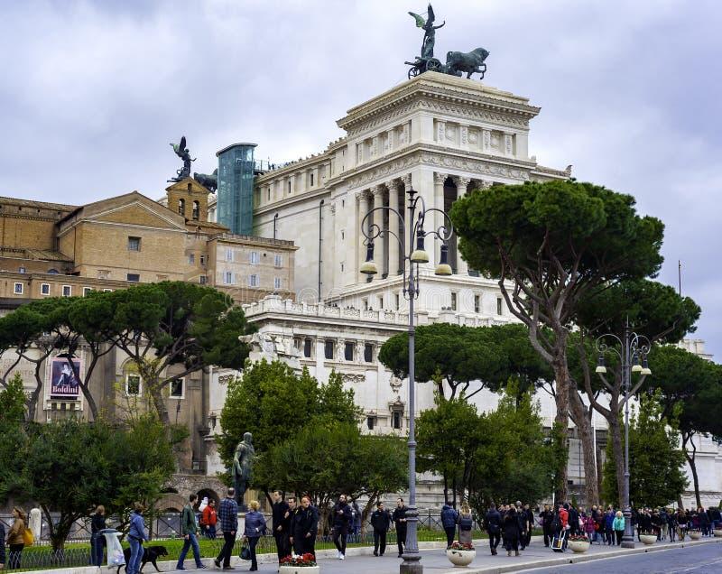 Взгляд к форуму Augustus и зданиям вокруг в Риме стоковое изображение rf