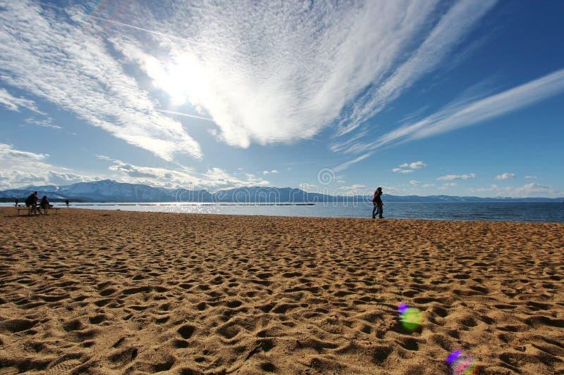 Взгляд Лаке Таюое от пляжа стоковая фотография rf