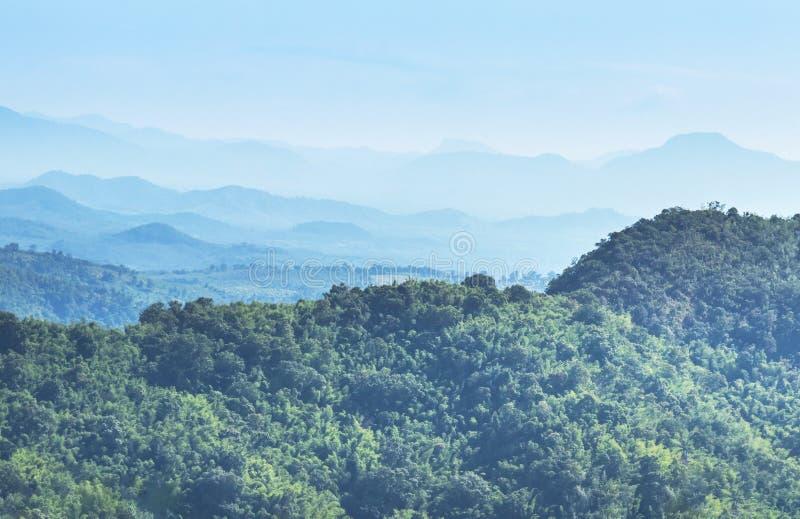 Взгляд ландшафта высокого угла от пикового национального парка Loei ruea phu точки зрения, Таиланда стоковая фотография rf