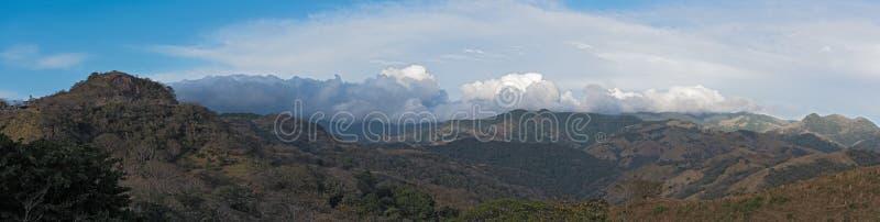 Взгляд ландшафта панорамы в лесе облака запаса Monteverde, Коста-Рика стоковое изображение rf