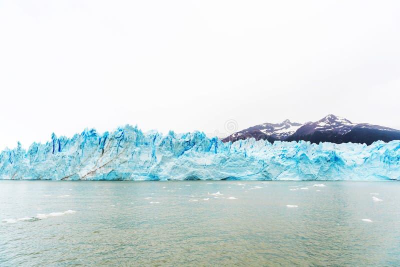 Взгляд ледника Perito Moreno, Патагония, Аргентина Скопируйте космос для текста стоковое изображение rf