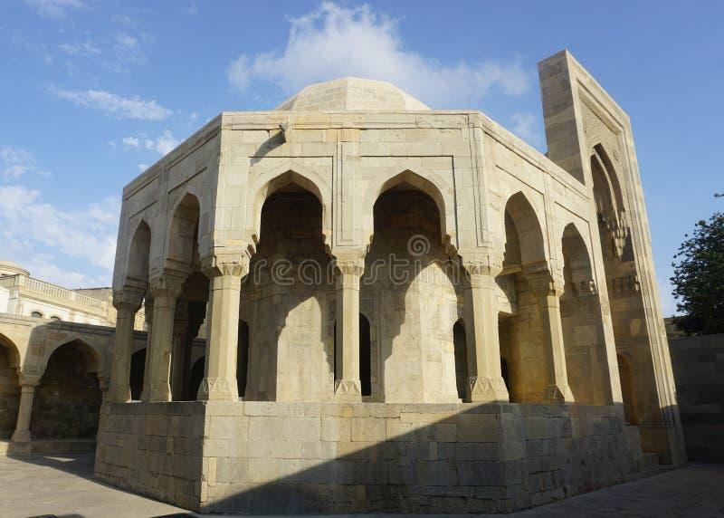 Взгляд мавзолея Баку Shirvanshahs полно- стоковые фотографии rf