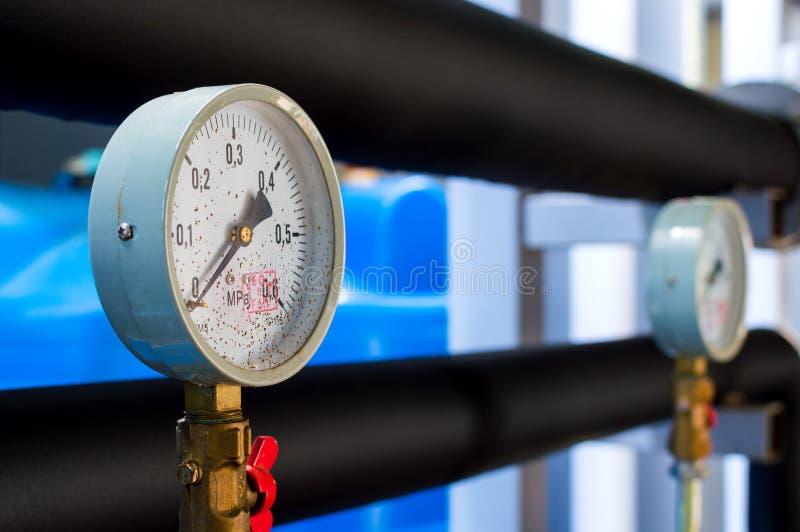 Взгляд манометра трубы для измерения давления стоковое фото
