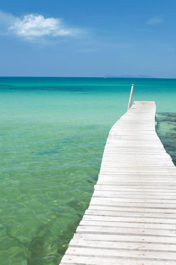 взгляд моря пристани одиночества пляжа стоковое фото