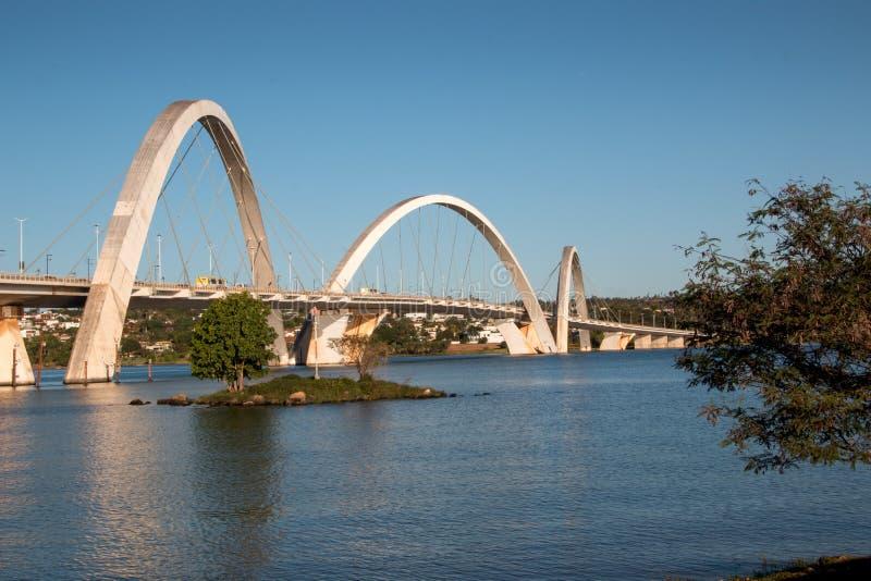 Взгляд моста Ponte JK в Бразилии, Бразилии стоковые изображения rf
