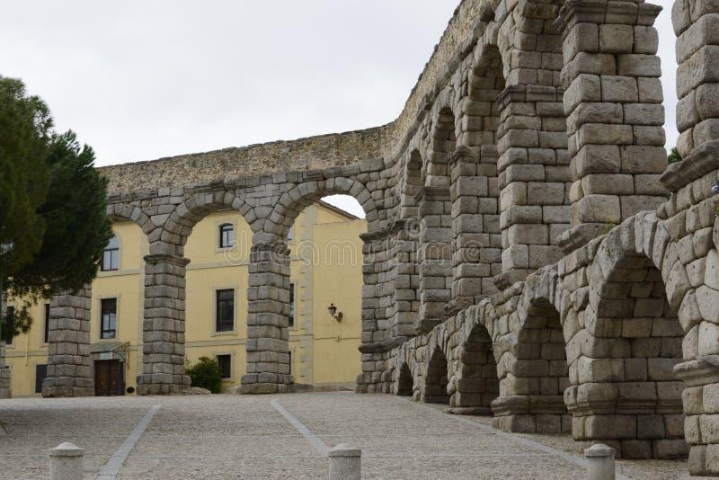 Взгляд мост-водовода в Сеговии Испании стоковое фото