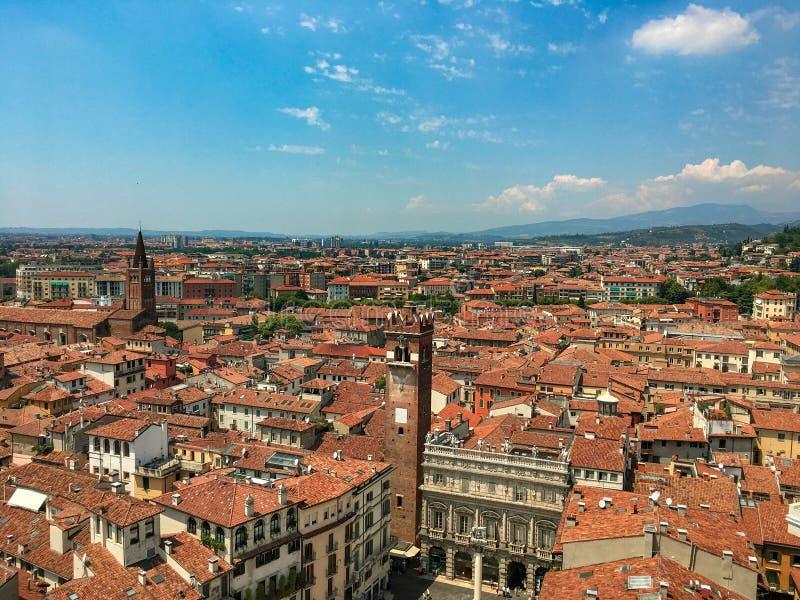 Взгляд над Вероной, Италией стоковые фотографии rf
