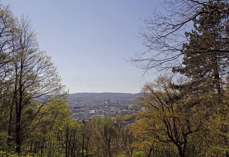 Взгляд над городом Аахен от холма Lousberg стоковое фото