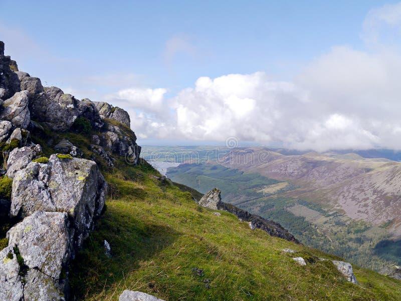 Взгляд над долиной Ennerdale, район штендера озера стоковые изображения rf