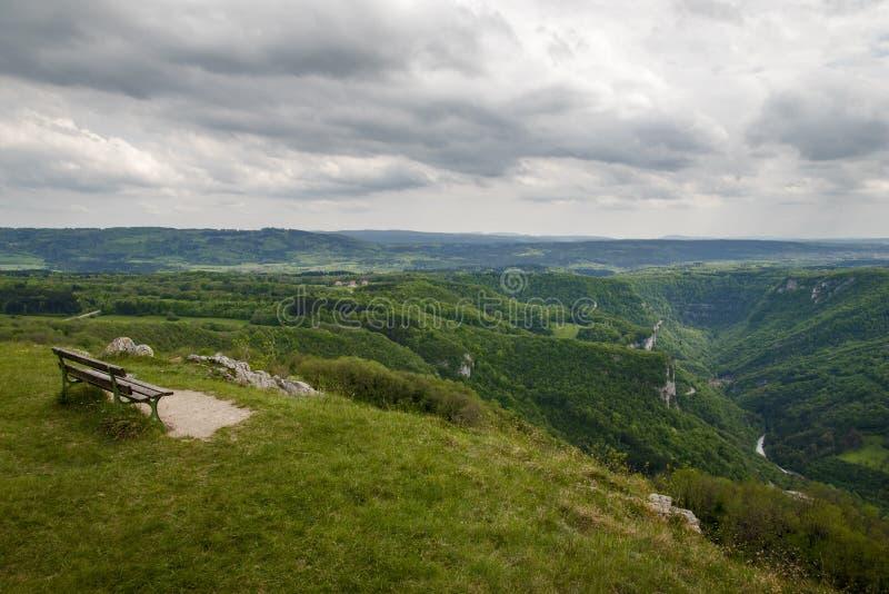 Взгляд над долиной loue стоковые изображения rf