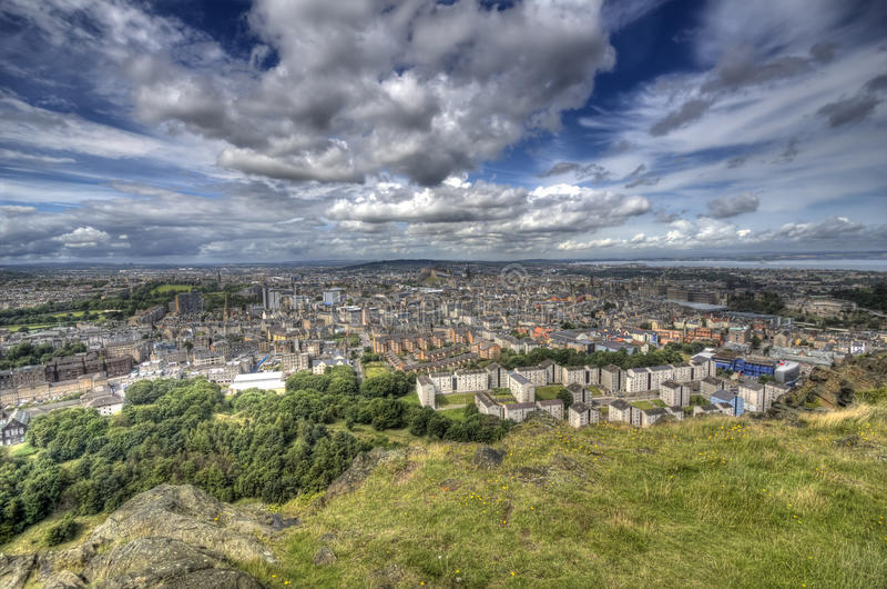 Взгляд над Эдинбург стоковое фото